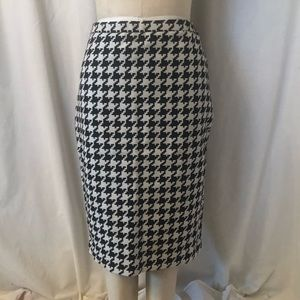 Micheal Kors houndstooth skirt